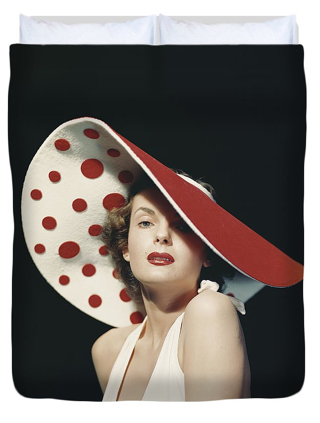People Duvet Cover featuring the photograph Woman Wearing Large Spotted Hat by Tom Kelley Archive