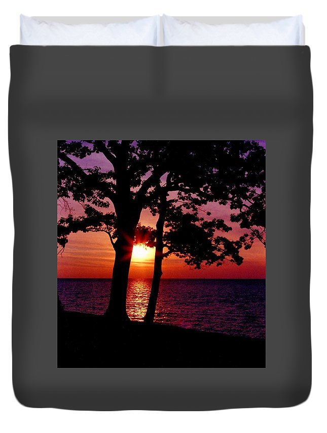 Sunset Duvet Cover featuring the photograph 070506-63 by Mike Davis