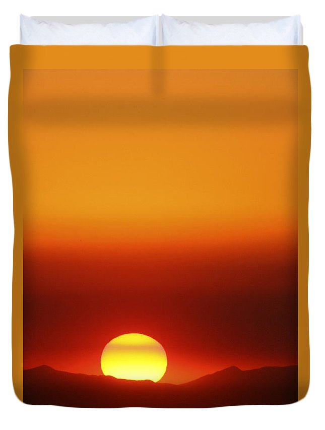 Catalina Sunset Duvet Cover featuring the photograph Catalina Sun by Andre Aleksis