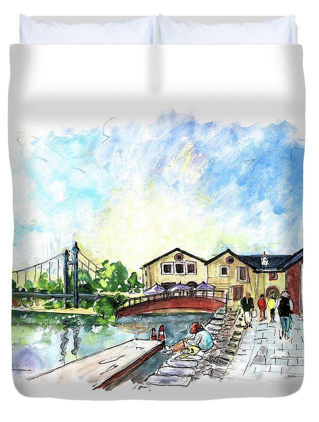 Travel Duvet Cover featuring the painting Exeter 02 by Miki De Goodaboom