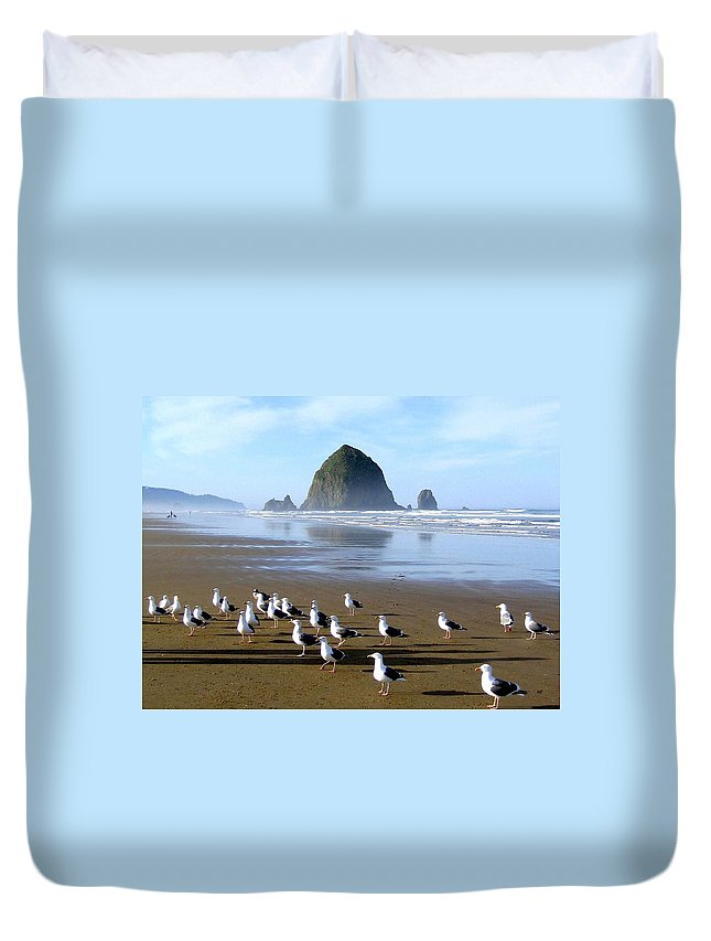 #gatheringofthegulls Duvet Cover featuring the photograph Gathering Of The Gulls by Will Borden