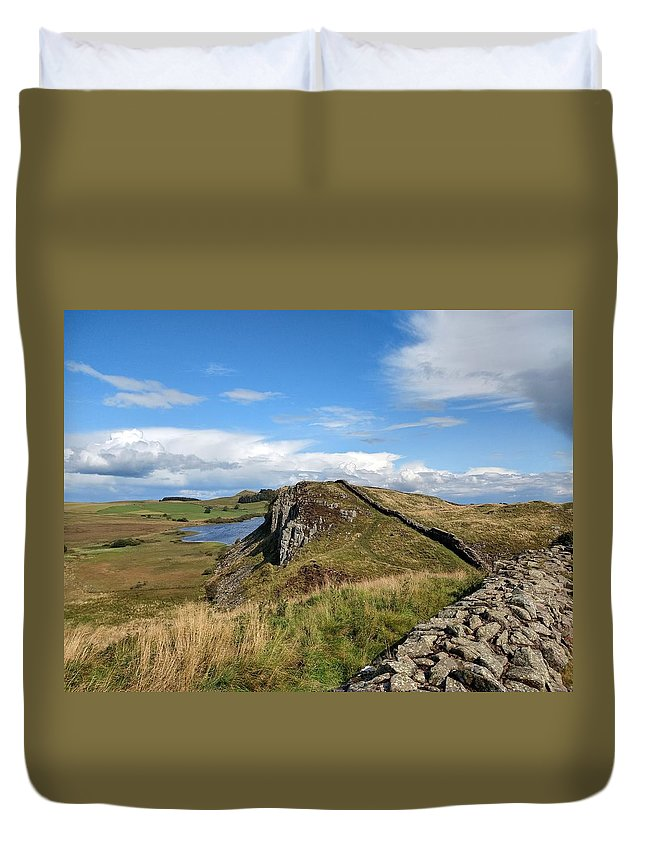 Landscape Duvet Cover featuring the photograph Hadrianswall by Pop