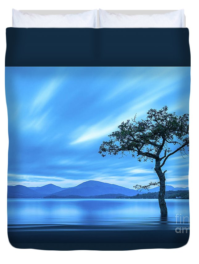 Milarrochy Bay Duvet Cover featuring the photograph Lone tree Milarrochy Bay by Janet Burdon