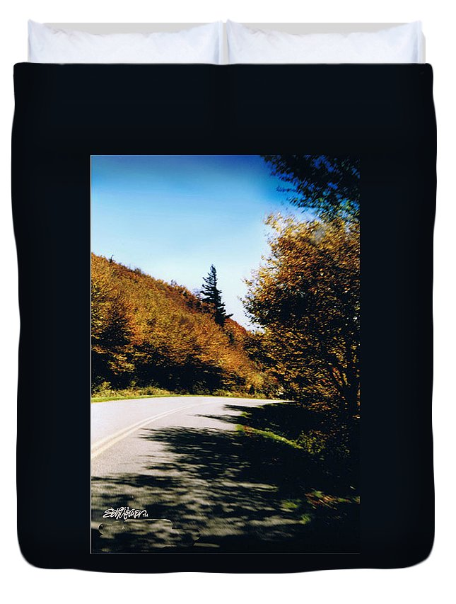 High In The Great Smoky Mtn. As You Round A Curve Stands This Noble Spruce. Duvet Cover featuring the photograph Single Spruce by Seth Weaver