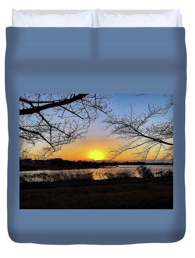 Sunset Duvet Cover featuring the photograph Tatebayashi Sunset by Kiyoto Matsumoto