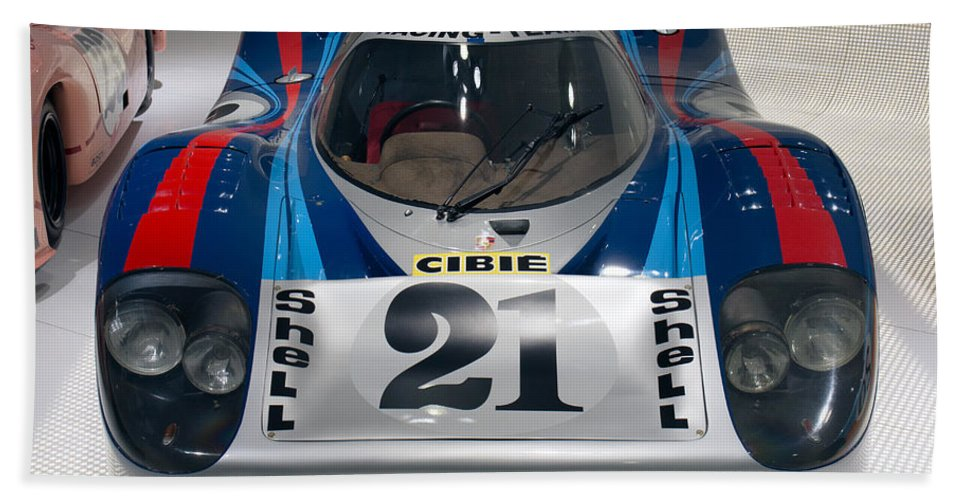3d Hand Towel featuring the photograph 1971 Porsche 917 Lh Coupe by Paul Fearn