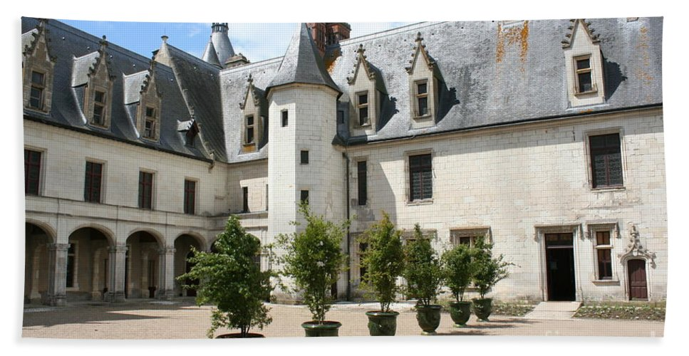 Palace Hand Towel featuring the photograph Courtyard Chateau Chaumont by Christiane Schulze Art And Photography