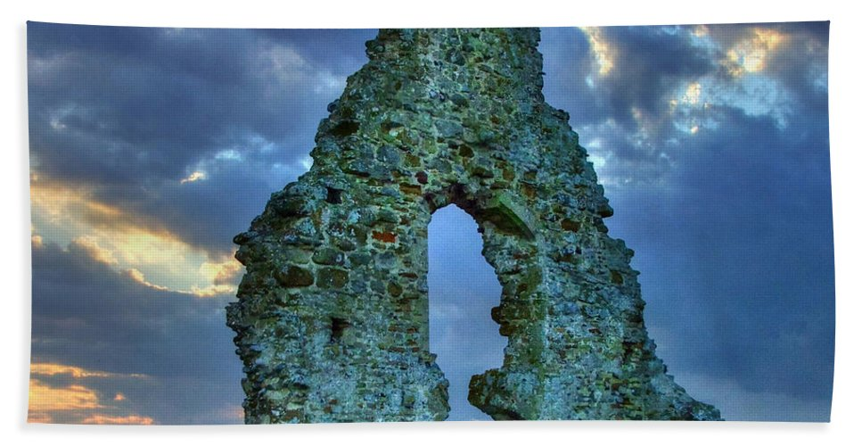 Midley Church Ruins Bath Sheet featuring the photograph Midley Church Ruins At Dusk by Dave Godden