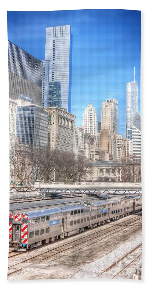 Chicago Hand Towel featuring the photograph 0945 Chicago by Steve Sturgill