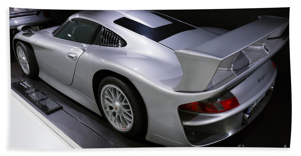 3d Hand Towel featuring the photograph 1997 Porsche 911 Gt1 Street Version by Paul Fearn