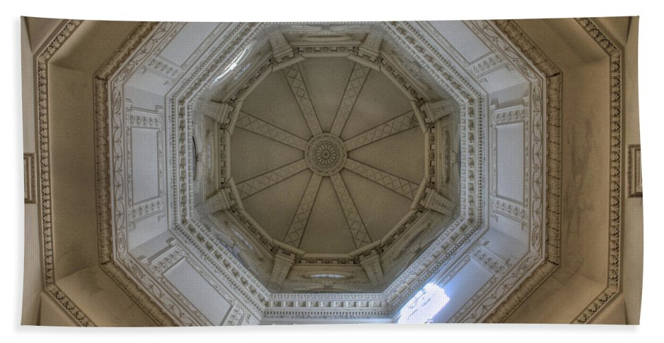 18th Century State House Rotunda Dome Bath Sheet featuring the photograph 18th Century State House Rotunda Dome by Mark Dodd