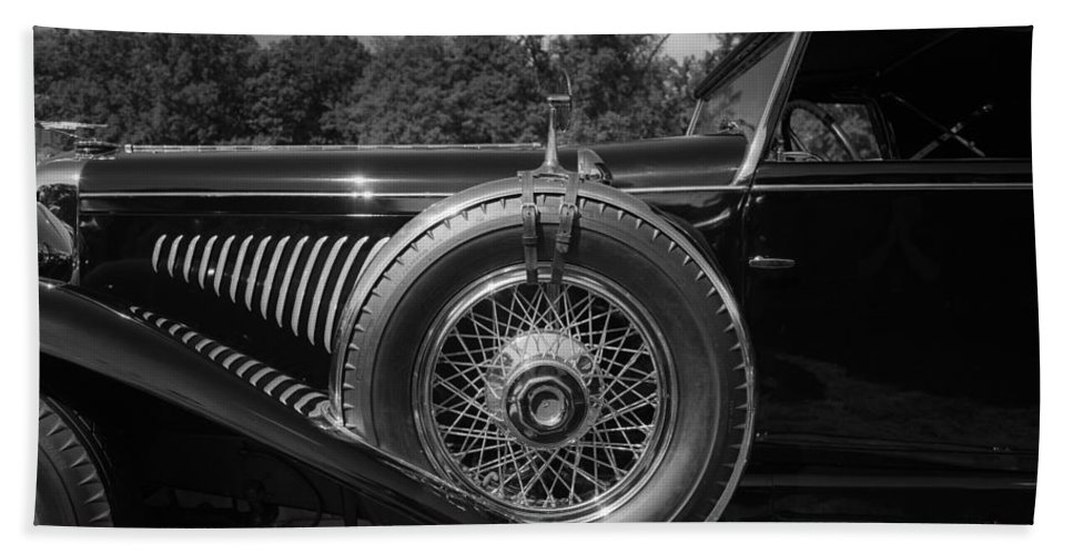 Antique Bath Sheet featuring the photograph 1929 Duesenberg Model J Covertible Coupe By Murphy by Jack R Perry