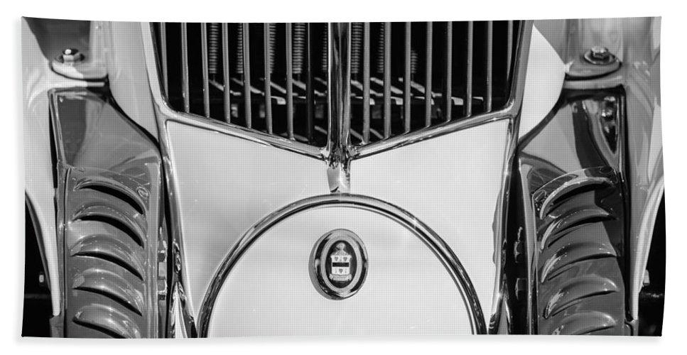 1930 Cord L-29 Speedster Grille Emblem Bath Sheet featuring the photograph 1930 Cord L-29 Speedster Grille Emblem by Jill Reger