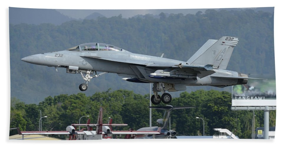 Horizontal Hand Towel featuring the photograph An Fa-18 Super Hornet Of The U.s. Navy by Remo Guidi