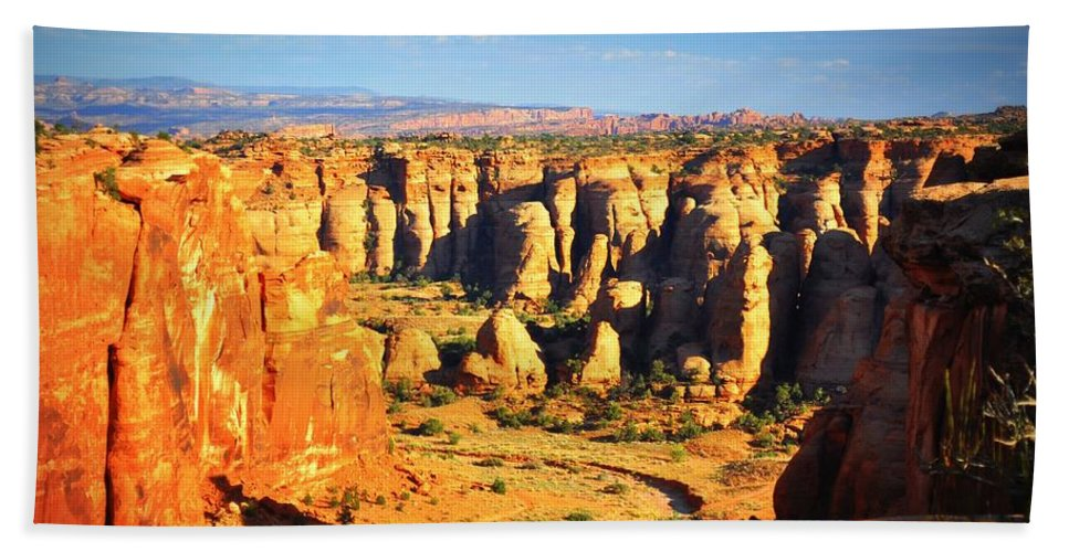 Canyon Hand Towel featuring the photograph At Gemini Bridges by Marty Koch