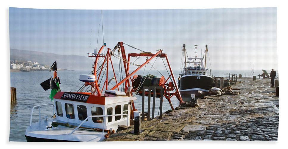 Cobb Hand Towel featuring the photograph At The Cobb -- Lyme Regis by Susie Peek