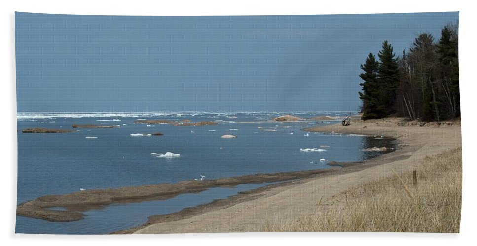 Great Lakes Hand Towel featuring the photograph Beach And Ice by Linda Kerkau