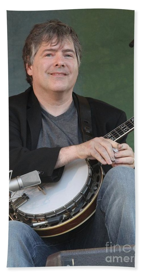Banjo Bath Sheet featuring the photograph Bela Fleck by Concert Photos