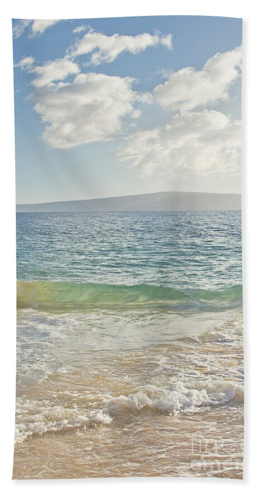 Big Beach Bath Sheet featuring the photograph Big Beach by Sharon Mau