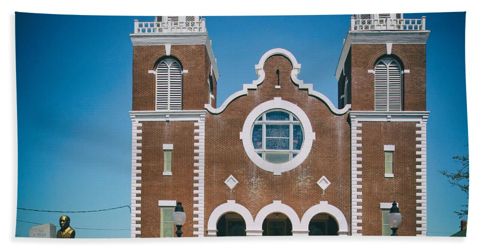Selma Hand Towel featuring the photograph Brown Chapel In Selma Alabama by Mountain Dreams