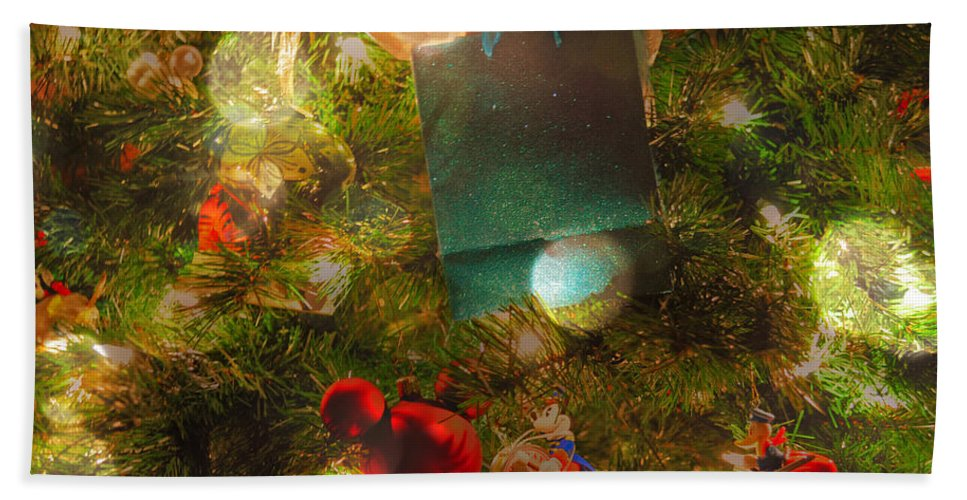 Featured Bath Sheet featuring the photograph Christmas Dreams by Paulette B Wright