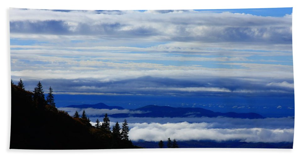 Sea Of Clouds Hand Towel featuring the photograph Courthouse Valley Sea Of Clouds by Mountains to the Sea Photo