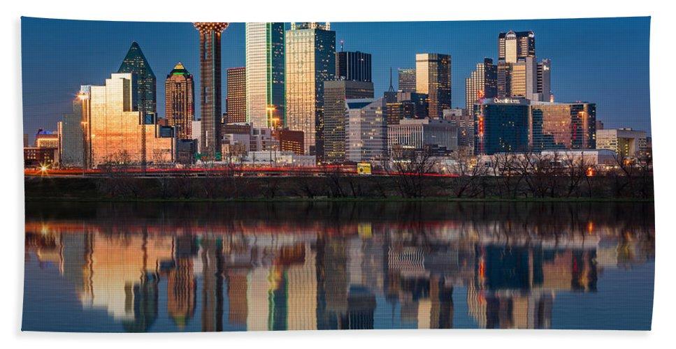 Downtown Bath Towel featuring the photograph Dallas skyline by Mihai Andritoiu