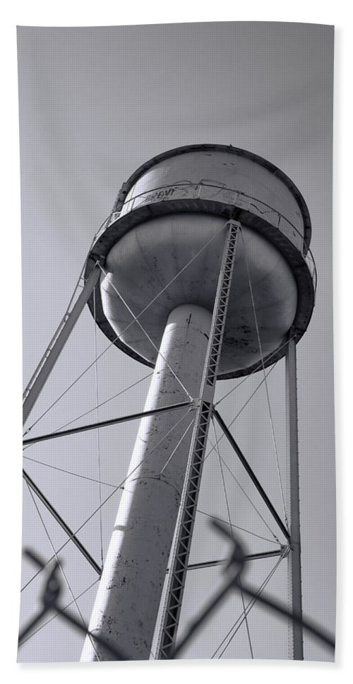 Water Tower Bath Sheet featuring the photograph Deer Lodge Montana Water Tower by Cathy Anderson