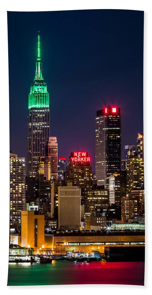 Ireland Bath Towel featuring the photograph Empire State Building On Saint Patrick's Day by Mihai Andritoiu