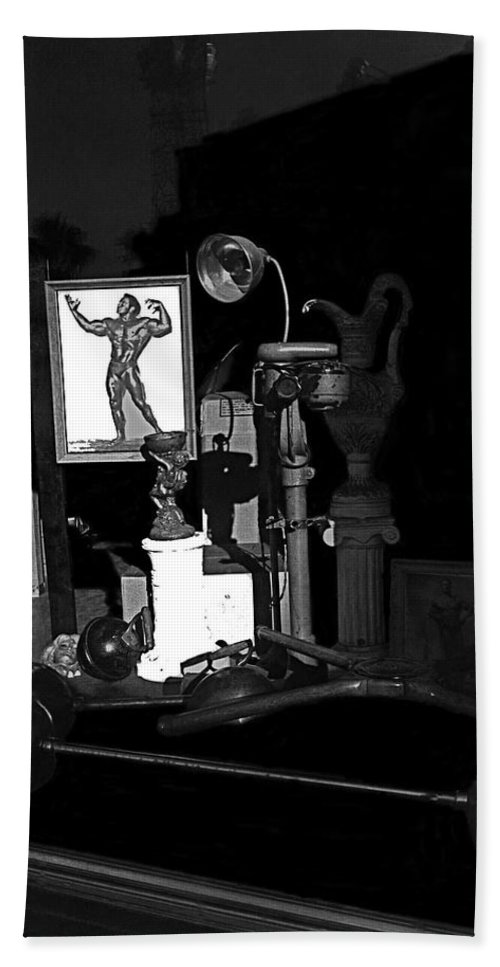 Film Noir Richard Widmark Night And The City 1950 1 Johnny Gibson Health And Gym Equipment Tucson Bath Sheet featuring the photograph Film Noir Richard Widmark Night And The City 1950 1 Johnny Gibson Health And Gym Equipment Tucson by David Lee Guss