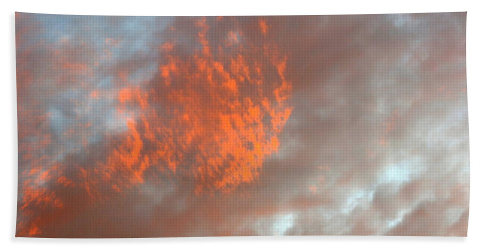 Color Hand Towel featuring the photograph Fireball In The Sky by Jean Macaluso