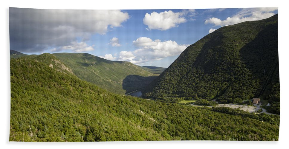 Franconia Notch Parkway Bath Towel featuring the photograph Franconia Notch State Park - White Mountains New Hampshire Usa by Erin Paul Donovan