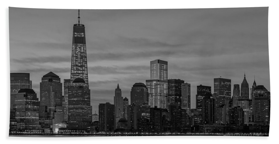 One World Trade Center Hand Towel featuring the photograph Good Morning New York City by Susan Candelario