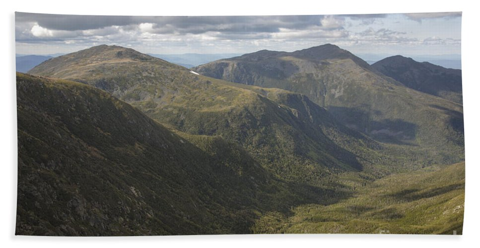 Hike Bath Sheet featuring the photograph Great Gulf Wilderness - White Mountains New Hampshire by Erin Paul Donovan
