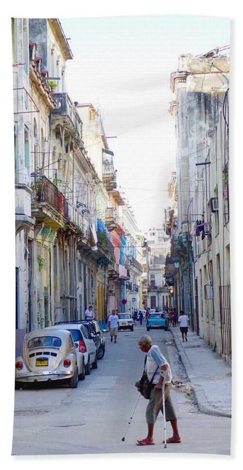 Habana Hand Towel featuring the photograph Habana Street by Valentino Visentini