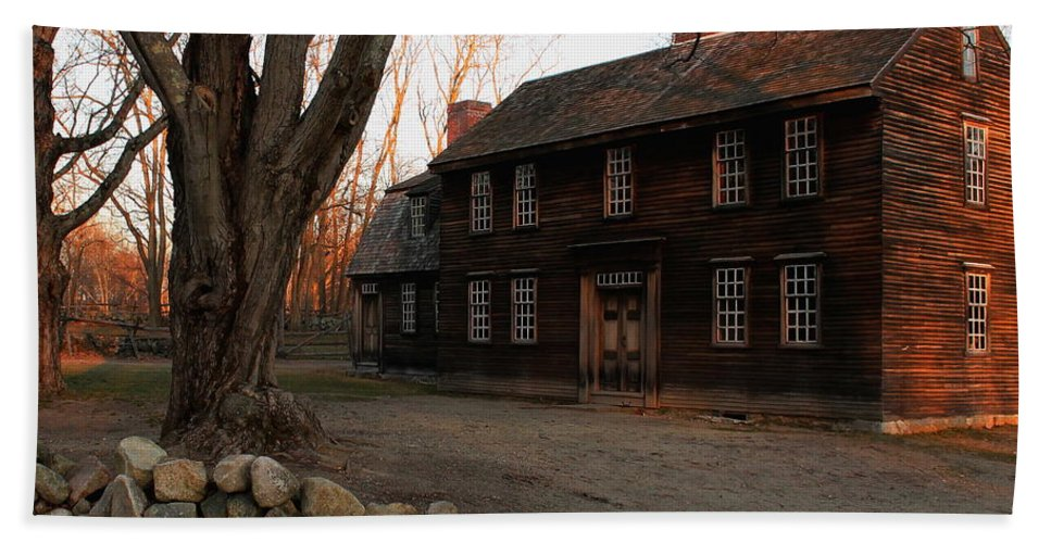 Hartwell Tavern Hand Towel featuring the photograph Hartwell Tavern 2 by Jeff Heimlich