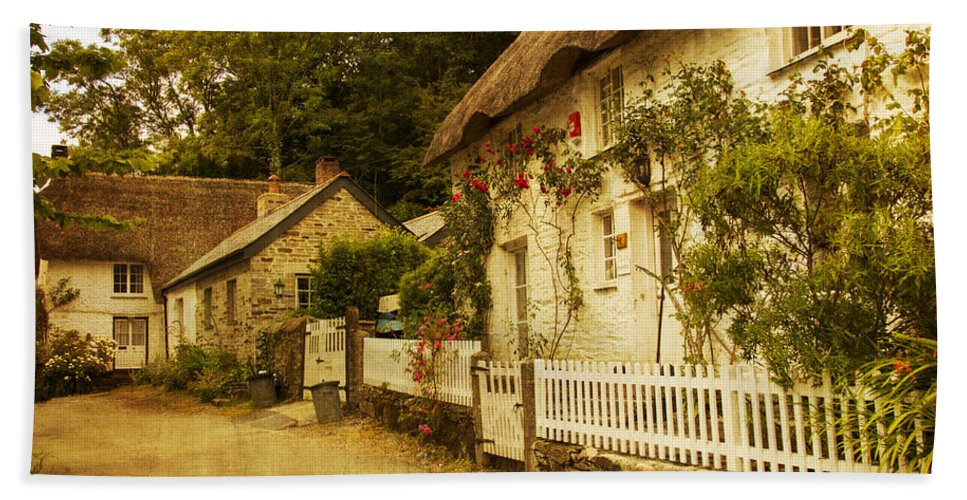 Architecture Bath Sheet featuring the photograph Helford Cottages by Brian Roscorla