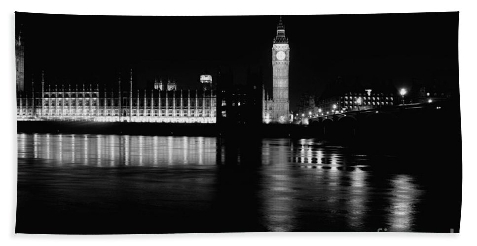 London Bath Sheet featuring the photograph Houses Of Parliament And Big Ben by Doc Braham