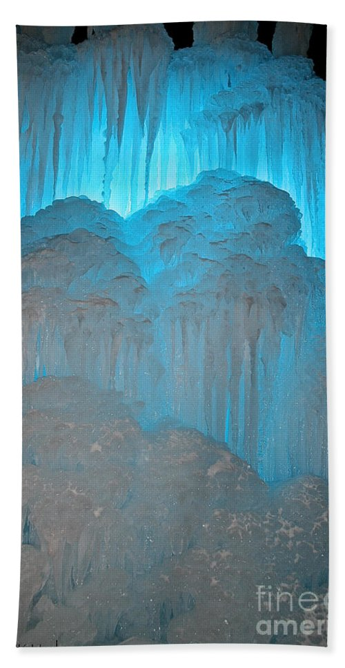 Ice Bath Sheet featuring the photograph Ice Rising by Susan Herber