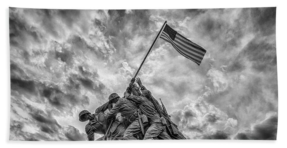 American Flag Bath Towel featuring the photograph Iwo Jima Memorial by Susan Candelario