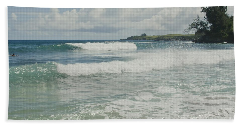 Aloha Hand Towel featuring the photograph Kapalua Surf Honokahua Maui Hawaii by Sharon Mau