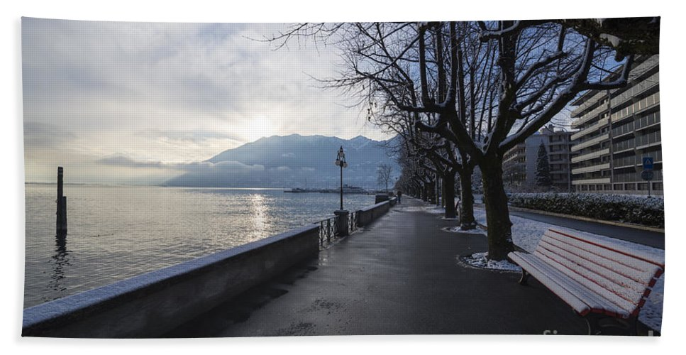 Lakefront Hand Towel featuring the photograph Lakeside by Mats Silvan