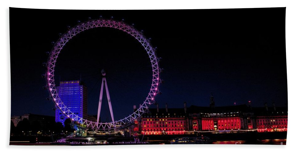 London Bath Sheet featuring the photograph London Eye In Red White And Blue by Jeremy Hayden