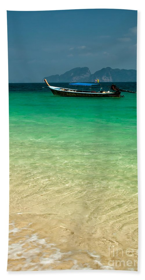 Longboat Hand Towel featuring the photograph Longboat Asia by Adrian Evans