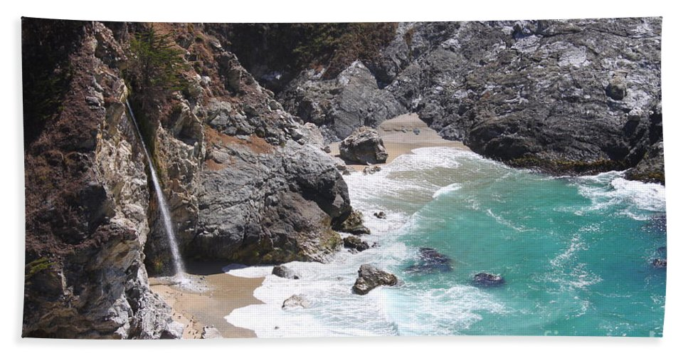 Mcway Falls Bath Sheet featuring the photograph Mcway Falls by Bev Conover