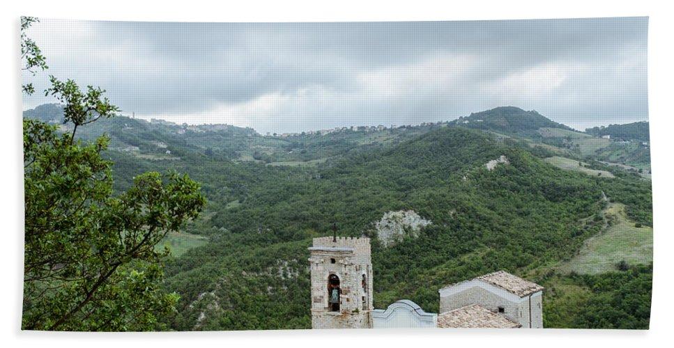 Landscape Bath Towel featuring the photograph Memories by Andrea Mazzocchetti