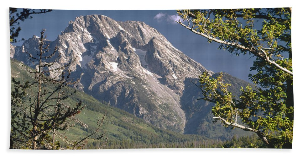Mt. Moran Bath Sheet featuring the photograph Mt. Moran And Jenny Lake by Ed Cooper Photography