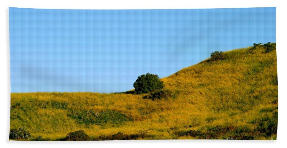 Summer Hand Towel featuring the photograph Mustard Grass by Henrik Lehnerer