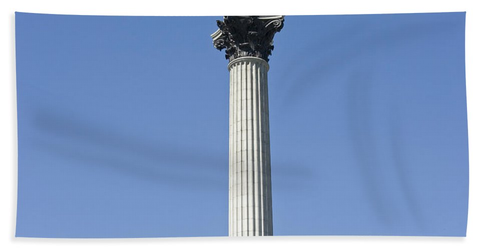 Nelson's Column Hand Towel featuring the photograph Nelsons Column Trafalgar Square London by Peter Lloyd