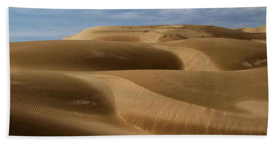 Oceano Sand Dunes Hand Towel featuring the photograph Oceano Sand Dunes by Yefim Bam